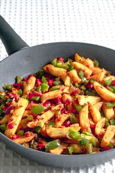 Quick and easy recipe for to delicious takeaway style Chinese salt and pepper chips at home, using oven chips and fresh chilli. Chili Recipes, Veggie Recipes, Indian Food Recipes, Asian Recipes, Chinese Recipes, Cooking Recipes, Oven Recipes, Veggie Food, Steak Recipes