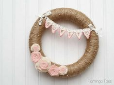 25 Valentines day wreaths with DIY wreaths and wreath tutorials to make heart wreaths and love wreaths. Make valentine wreaths. Diy Valentines Day Wreath, Valentines Day Decorations, Valentine Day Crafts, Holiday Crafts, Heart Decorations, Valentine Ideas, Easter Crafts, Wreath Crafts, Diy Wreath