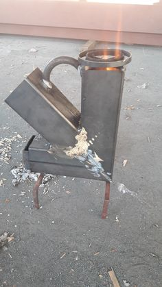 Rocket Stove Design, Diy Rocket Stove, Rocket Mass Heater, Rocket Stoves, Portable Wood Stove, Diy Wood Stove, Outdoor Cooking Stove, Outdoor Oven, Fire Pit Grill