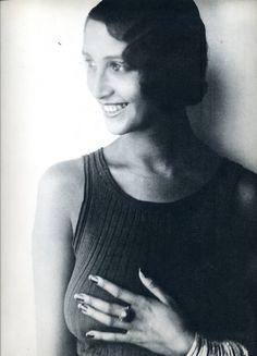 Renée Perle | Half Portrait in Sleeveless Top | 1932 | Photo Jacques Henri Lartigue