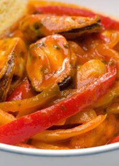 Cebolada de mexilhão com tomate