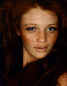Cintia Dicker. Brazilian, freckles, & red hair. Beautiful!