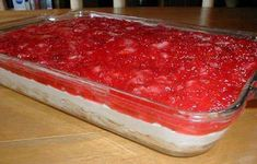 INGREDIENTS: SERVINGS 15 1 angel food cake 1 ounce) container Cool Whip 8 ounces cream cheese 1 cup sugar, divided 1 teaspoon vanilla extract 1 quart fresh strawberries, sliced 3 tablespoons co… Strawberry Heaven Recipe, Strawberry Pudding, Strawberry Desserts, Strawberry Delight, Strawberry Cheesecake, Strawberry Angel Food Cake, Strawberry Shortcake, Cheesecake Bars, Cherry Delight