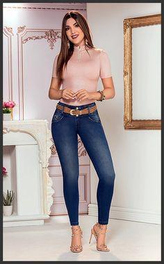 Dress to impress: 30 ideas to wear jeans Denim Fashion, Girl Fashion, Fashion Outfits, Womens Fashion, Sexy Jeans, Skinny Jeans, Jeans Pants, Lakme Fashion Week, Online Dress Shopping