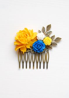 Hey, I found this really awesome Etsy listing at https://www.etsy.com/listing/233541372/yellow-and-blue-rose-flower-hair-comb