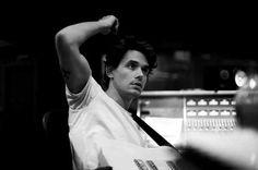 Oh my dear Lord!! John Mayer