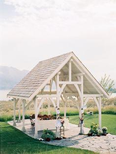 Intimate wedding venue overlooking the lake.  Photo -Jenna Hill // http://www.jennahillphoto.com/