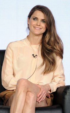 Keri Russell promoting The Americans with long, soft waves and generally shiny/fantastic hair.