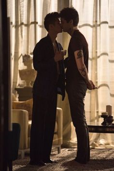 because admit it, the whole fandom is in loveeee with malec Shadowhunters Malec, Shadowhunters The Mortal Instruments, Clace, Gay Couple, Best Couple, Shadow Hunters Cast, Malec Kiss, Mathew Daddario, Constantin Film