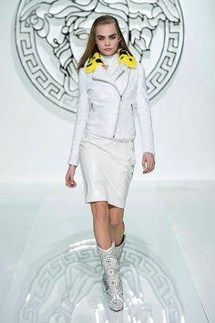 versace 2013 style | Versace Women Fall Winter 2013-14 Fashion Show