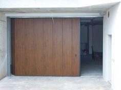 Portone Scorrevole Civile Garage Doors, Outdoor Decor, Home Decor, Fencing, Doors, Homemade Home Decor, Decoration Home, Interior Decorating