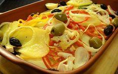 Bacalhoada à minha maneira - Receitas Para Todos os Gostos Cod Fish, Portuguese Recipes, Pasta Salad, Macaroni And Cheese, Seafood, Curry, Meat, Chicken, Ethnic Recipes