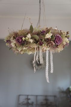 dried flower~ OH, how gorgeous. This would look nice decorated at Christmas flowers.