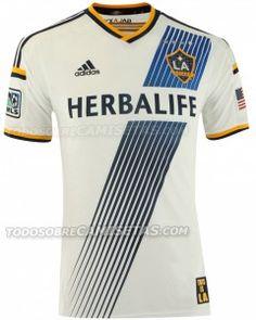 Imagens da nova camisa do LA Galaxy para 2014 - http://www.colecaodecamisas.com/imagens-da-nova-camisa-la-galaxy-para-2014/ #colecaodecamisas #LAgalaxy