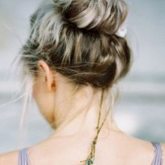 A Tutorial on how to create the perfect messy textured bun that stays in ALL DAY AND NIGHT.
