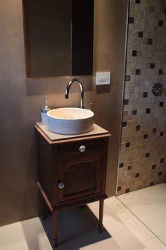 Klassisch- minimalistischer Waschtisch von JORGELINA ALVAREZ  I Arquitecta I