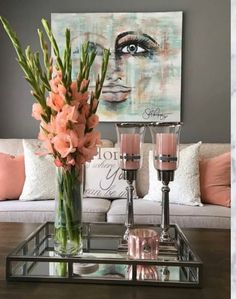 10 Easy Tricks to Make Flowers Last Longer - Decoholic Living Room Designs, Living Room Decor, Livingroom Table Decor, Dining Room, Decorating Coffee Tables, Easy Home Decor, Deco Table, Tray Decor, Home Decor Inspiration