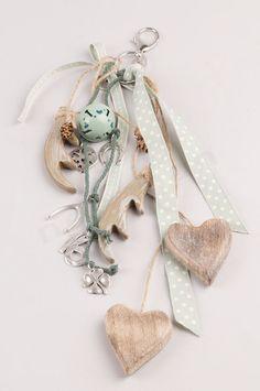 Γούρια μπρελόκ με υλικά NewMan | bombonieres.com.gr Christmas Design, Christmas Projects, Xmas Crafts, Diy Crafts, Horseshoe Art, Nature Crafts, Lucky Charm, Pouch, Clay