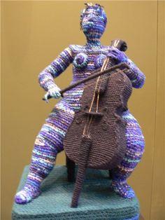 Artist of the day, March Yulia Ustinova, Russian crochet artist, sculptor Knit Art, Crochet Art, Crochet Woman, Crochet Dolls, Crochet Patterns, Yarn Bombing, Mixed Media Sculpture, Soft Sculpture, Russian Crochet