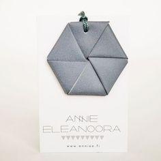 Kulmio-heijastin by Annie Eleanoora #heijastin #heijastinkangas #refletor #safetyrefletor