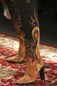 Gorgeous Hermès patterned boots