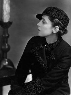 Italian fashion designer Elsa Schiaparelli (1890 - 1973).