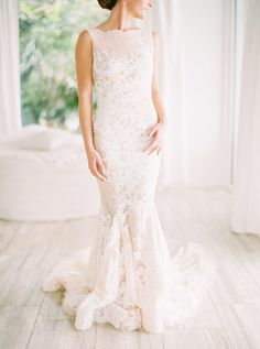 Romantic White Destination Wedding in the Bahamas from Hunter Ryan Photo - MODwedding Backless Mermaid Wedding Dresses, Pronovias Wedding Dress, Bridal Dresses, Wedding Gowns, Jimmy Choo, Contemporary Dresses, Mod Wedding, Wedding Ideas, Bride Look
