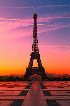 Eiffel Tower At Sunrise | Paris | France | Photo By Tom Uhlenberg