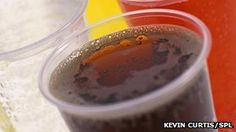 Leading medical bodies are calling for a levy on soft drinks to be included in this year's Budget. More than 60 organisations, including the Royal College of Paediatrics and Child Health, are backing the recommendation by food and farming charity Sustain. Sugar Tax, Chef Jamie Oliver, Tv Chefs, Sugar Intake, People Eating, Kids Health, Health Problems, Health And Wellness, Budgeting