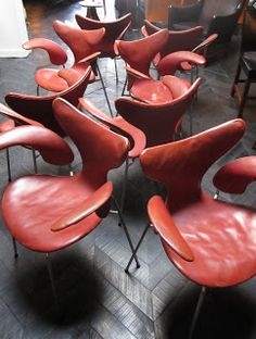 Object / Chair / Red leather chair /  Arne Jacobsen | 1973