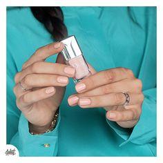 Le dernier de mon trio craquage Dior, le tendre #sunkissed un nude abricoté couvrant en deux couches (j'avais peur que ce soit un jelly!) très élégant et sobre mais un nailart ne lui ferait pas de mal surtout en ce temps grisous!  #nails #diornailpolish #dior