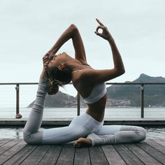 Yoga | Health | Outfit | Fit | More on Fashionchick.nl #yogaleggings