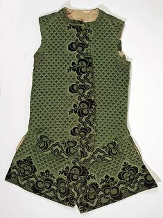Waistcoat Date: early 18th century Culture: Italian Medium: silk, wool, linen Dimensions: Length: 37 in. (94 cm) Credit Line: Rogers Fund, 1940 Accession Number: 40.134.12