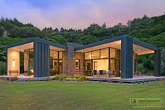 This beautiful, contemporary Akatarawa home in Upper Hutt has plenty of space, situated on 1.14ha of land. Yet, surrounded by a natural amphitheatre of bush, offers complete privacy.