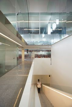 Gallery - Credit One Kuwait Office / AGi Architects - 3