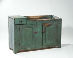 Choice early century drysink w/ old green paint with drawer, x Primitive Furniture, Country Furniture, Antique Furniture, Antique Dry Sink, Antique Paint, Wood Sink, Galvanized Tub, Retro Kitchen Decor, Paint Drying