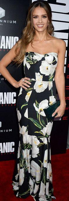 af916699d15 Jessica Alba  Dress – Dolce  amp  Gabbana Jewelry – Bulgari Purse – Edie  Parker