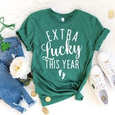 You can stop asking when we're having a baby now - St. Patty's Day - Pregnancy Announcement Shirt - You can stop asking when we're having a baby now – St. Patty's Day – Pregnancy Announcement - Grandparent Pregnancy Announcement, Pregnancy Announcement To Husband, Funny Pregnancy Announcements, Pregnancy Announcement To Siblings, Husband Pregnancy Reveal, Baby Announcements For Grandparents, Beach Pregnancy Announcement, Pregnancy Reveal Photos, Pregnancy Ultrasound