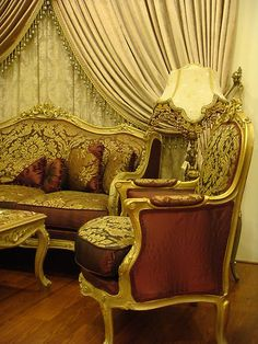 Maroon Gold Sofa Damask Louis XV French Antique Dfs Rococo Baroque Royal
