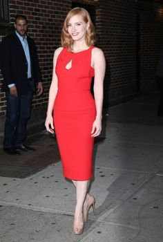 Jessica Chastain is ravishing in clinging red number as she talks about 'super creepy' Crimson Peak role on Stephen Colbert Perfect Redhead, Red Hair Inspiration, Peplum Dress, Bodycon Dress, Dress Red, Bryce Dallas Howard, Blonde Pixie, Stephen Colbert, Jessica Chastain