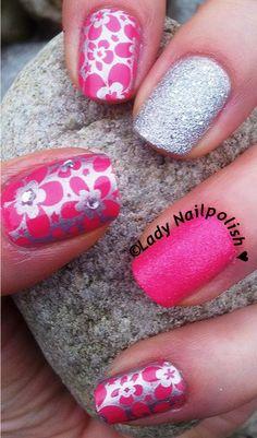"MoYou Pro Collection 13 XL : Manicure dedicated to MARÍA JOSÉ: Pink Silver ""Floripondio"" http://ladynailpolishnathalie.blogspot.ch/2014/01/manicure-dedicated-to-maria-jose-pink.html"
