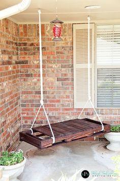 pallette pallette pallette... cute front or back porch swing....or tree swing?? ;)