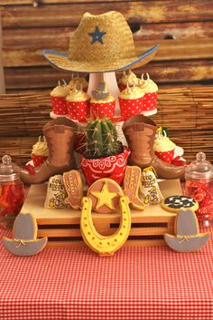 A girl monkey first birthday party in Houston, Texas. Styled by Christi Bennett of P is for Party, party goods by WH Hostess. Cowboy Birthday Party, Cowgirl Party, 1st Birthday Parties, Cowboy Theme, Cowboy Food, Western Theme, Western Cowboy, Cowboy Hats, Anniversaire Cow-boy