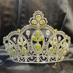 Miss Ecuador 2015: New Crown Unveiled