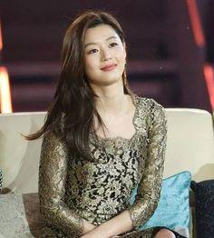 Asian Celebrities, Asian Actors, Korean Actresses, Korean Actors, Actors & Actresses, Beautiful Asian Girls, Most Beautiful Women, Jun Ji Hyun Fashion, My Sassy Girl