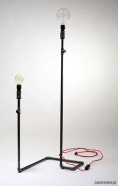 Prosta, stabilna i funkcjonalna, tymi cechami powinna odznaczać siᶒ każda dobra lampa i tak właśnie jest w przypadku lampy stojącej…
