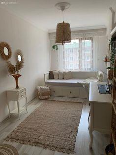 Cama Ikea, Small Room Design, Stylish Home Decor, Simple House, Room Organization, Living Room Decor, House Design, Shag Rug, Bedroom