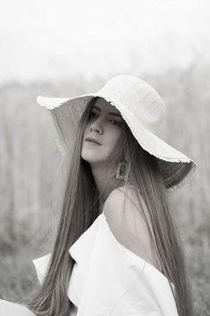 SUMMER ELEGANCE - Theresa de Vienne Big Challenge, Sun Hats, Light Colors, Dressing, Elegant, Chic, Stylish, Summer, How To Wear