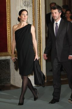 Princess Mary Danish Crown Prince Frederik and Danish Crown Princess Mary, who is pregnant with twins, attend a reception and dinner in their honour at Schloss Schwerin palace on September 27, 2010 in Schwerin, Germany. Prince Frederik and Princess Mary are on a two-day visit to northern Germany.