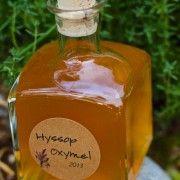 Sirop expectorant à base de fleurs d'hysop, de miel et de cidre de pomme